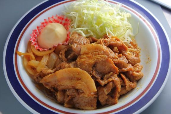 デカ盛り生姜焼き定食